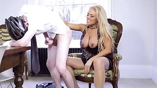 Uk milf squirt Having Her Way With A Rookie