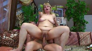 Doyen Oily Amateur Woman Riding Younger Cock