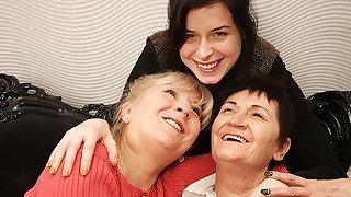 Two Mature Lesbians Pleasing A Hot Young Lesbian Mollycoddle - MatureNL