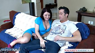 Curvaceous nextdoor chick Sophie Dee seduces married man while his wife is on a business excursion