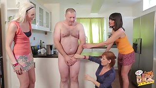 Chubby guy with a pithy detect gets pleasured apart from Lexi Lou added to friends