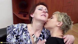 Old and young lesbian family piss after sex
