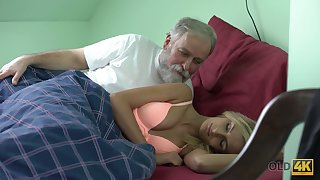 Old gay blade licks and fucks pussy of charming kept spread out Jenny Smart
