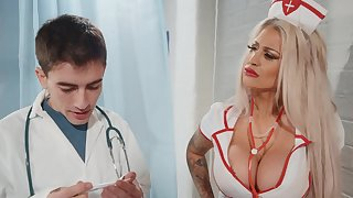 Seductive nurse turns that fine arse for cock